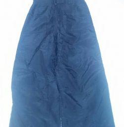 Pantaloni de iarna. Salopete pentru salopete