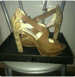 Παπούτσια - σανδάλια