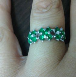Silver ring with cubic zirkonia 18r.