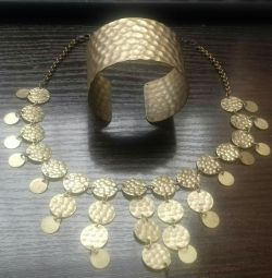A set of jewelry for Arabic dances