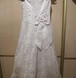 Ошатне плаття 8-13 років. У прокат.
