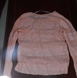 Pulover ușor folosit pentru femei