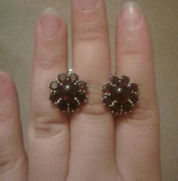 New silver earrings with garnets