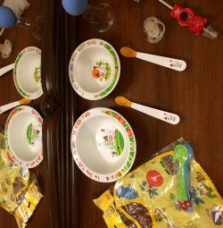 Θηλές, κουτάλια και πιάτα Avent bib new