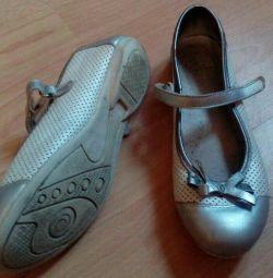 Pantofi 37 branț de dimensiune 24cm, din piele