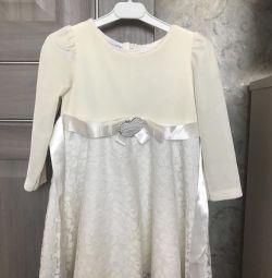 Платье для девочки 98р