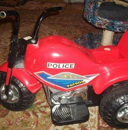 Motocicleta tolokar