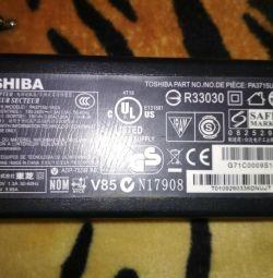 Зарядное устройство для ноутбука Tohiba
