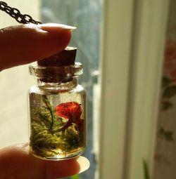 Pendant world in a bottle