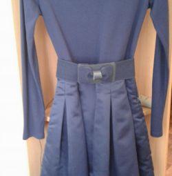 Satin rochie foarte frumos de creștere 146