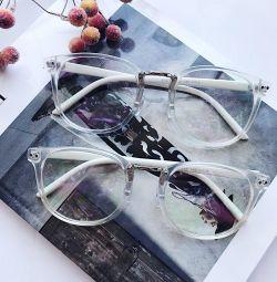 Ochelari de modă cu cadru transparent