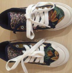 Zara yeni spor ayakkabı