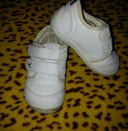Фир Sneakers Branded