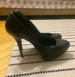 Туфли Бершка 39 размер