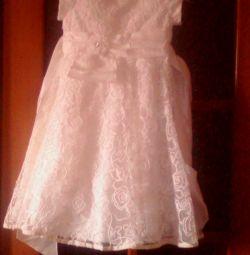 Φόρεμα για ένα κορίτσι ηλικίας 7-8 ετών