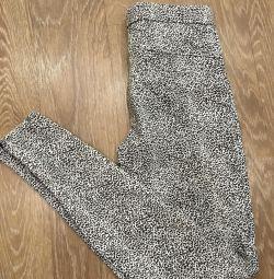 Pantaloni din Zara