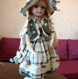 Лялька на підставці