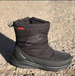 Cizme Nike negre pentru femei