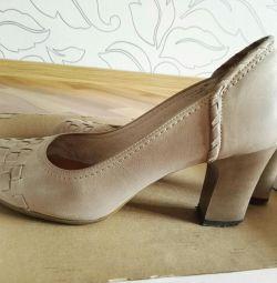 Pantofi din piele pentru dimensiunea 39-40