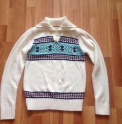 Ζεστό πουλόβερ με λαϊκά μοτίβα