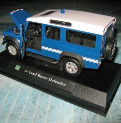 Коллекционная машина Lend Rover Defender №69