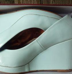 Нежно-бирюзовые туфли
