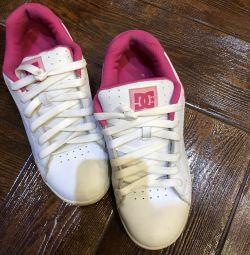 Γυναικεία παπούτσια DC
