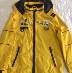 Куртка- ветровка утеплeнная 146р. для мальчика.