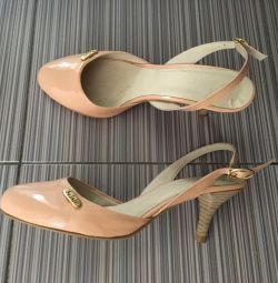 Voi vinde sandale Belali