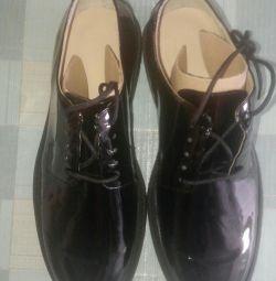 Новые ботинки мужские лакированые