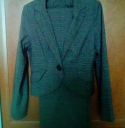 Pantolon takım elbise bi kızartması. 44-46.