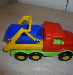 Игрушки-машинки