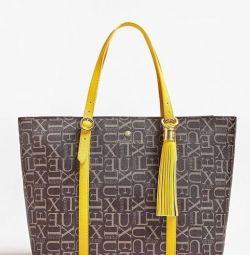 жіноча сумка GUESS