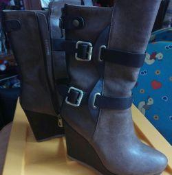 Υψηλές μπότες για γυναίκες 37