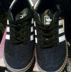 Αθλητικά παπούτσια 39 rr