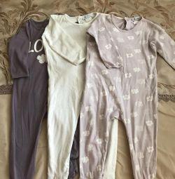 I will sell three pajamas