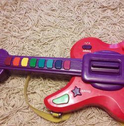 Игрушнчная Гитара