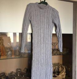 Платье вязаное р.42-44