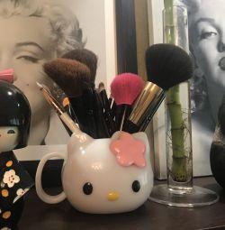 Стакан-подставка Hello Kitty