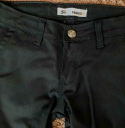 Classic pants for girls