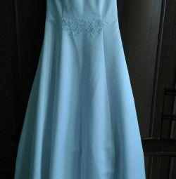Весільне нове плаття.