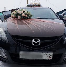 Rent of wedding decorations on the car