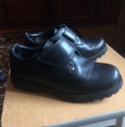 Παιδικά παπούτσια Timberland, μέγεθος 32.