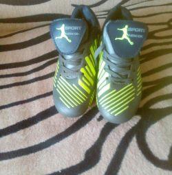 Futbol ayakkabıları