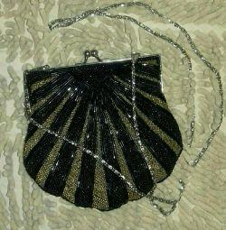 Theatrical bead clutch bag