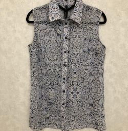 Πολύ όμορφη μπλούζα