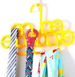 Κρεμάστρα για ζώνες, γραβάτες και σάλια