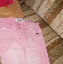 Летние розовые джинсы