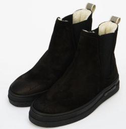 Χειμερινές μπότες GANT.
