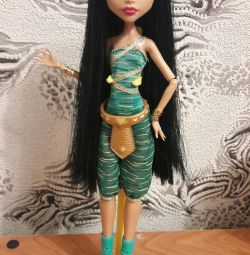 Doll Cleo Turquoise Monster School
